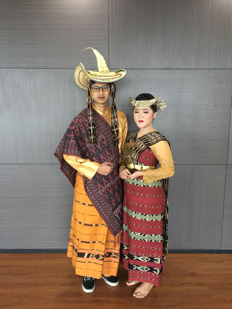 Nama Pakaian Adat Tradisional Nusa Tenggara Timur - Baju ...